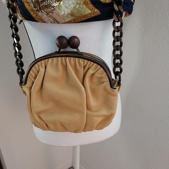 Erva Clutch Handbag w/Attractive Chain